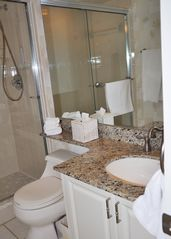 Treasure Island condo photo - guest bathroom