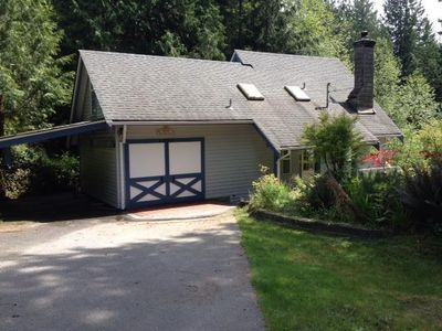 Blue Hart Cottage in Roberts Creek