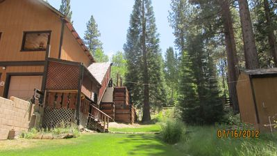 Secluded Tahoe Chalet,1/2 block to Heavenly Main Lodge  W/ Hot Tub