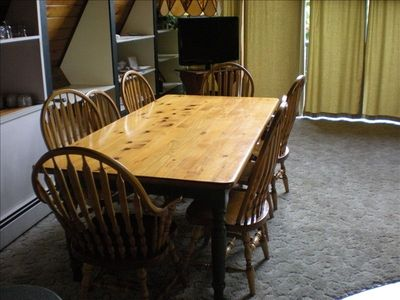 CHALET: Dining table for 8