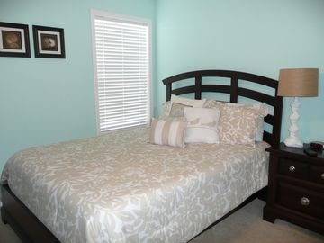 "Bedroom 3 with Queen bed and with 32"" flat screen TV."