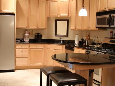 Luxury Fully Furnished 2br/2ba Condo in Secure Building