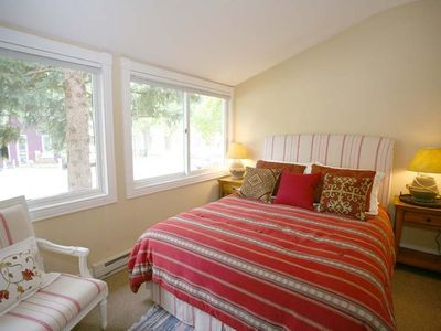 Telluride townhome rental - Guest Bedroom - Queen-sized Bed