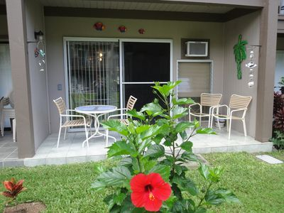 Kailua Kona condo rental - Lovely lanai. Walk out to the garden, beach and pool.