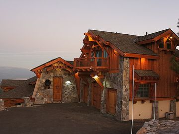 Truckee house rental - Entry