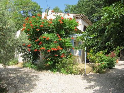 Nice villa in the south of the Luberon with private pool and secure.