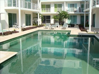 Playa del Carmen condo rental - Gorgeous Emerald Blushed Pool