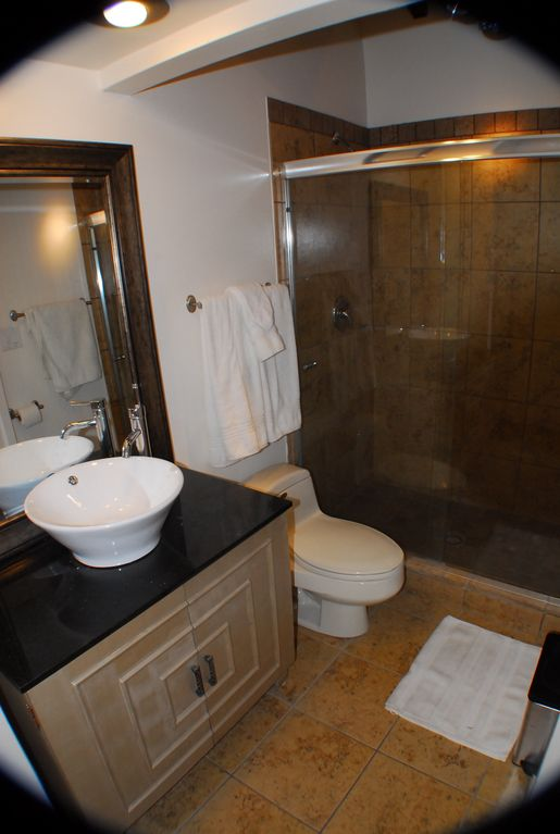 2nd level Full Bath