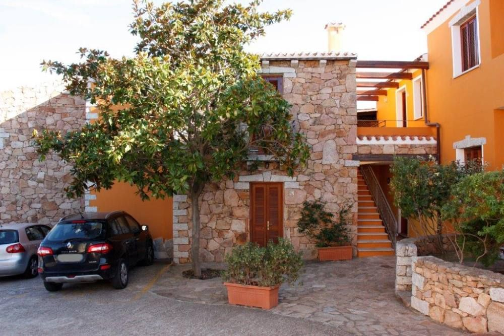 Two rooms in the residence to agrustos homeaway budoni for Residence agrustos