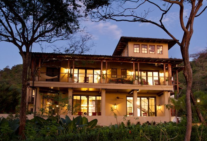 Las catalinas stucasa beach front luxury home vrbo for Vacation homes for rent in costa rica