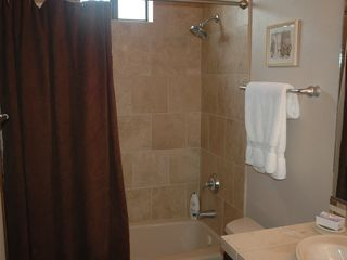 Guest Bath - Tucson condo vacation rental photo