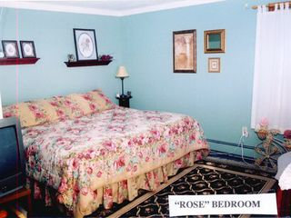 Portsmouth house photo - The Rose room.