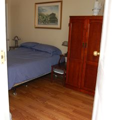 New Orleans condo photo - .wood floors and queen size bed