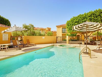 Clean, Safe, Quiet, Family-Friendly, Pool, Spa: Near Airport + Downtown + Golf!