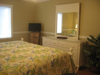 St. Simons Island condo photo - Alternate view of the king bedroom and new dresser.