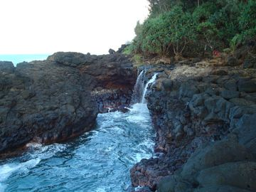 The 'Queen's Bath' - North Shore
