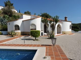 Independent villa magnificent sea views private 617108 for Architecture andalouse