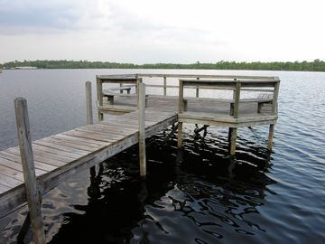 The pier on Lake Davenport, by the Community pool
