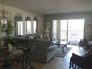 St Pete Beach condo photo - Living room and eating area