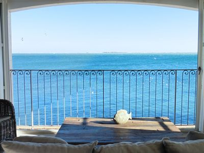 Stylish waterside apartment in Port Rive Gauche with breathtaking sea views