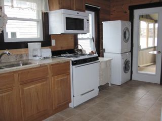 Portsmouth cottage photo - New Kitchen w/Granite Counters