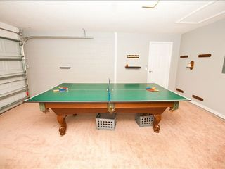 Highgate Park villa photo - Test your skills @ pop a shot basketball, Billiards or Table tennis..