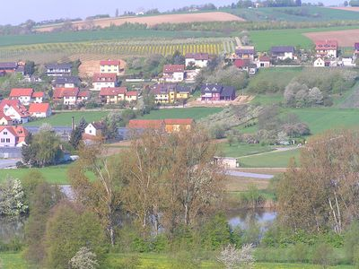 Newly renovated, bright apartment in the vineyards, right on Maindreieck