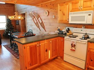 Blue Ridge cabin photo - Kitchen and Dining Area at Christmas