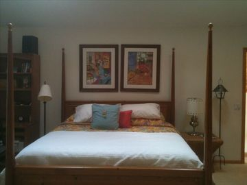 Master suite upstairs, king bed and sitting area. Sleeps 2 (more on aero beds)