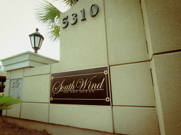 SOUTH WIND'S PRESTIGIOUS GOLDEN MILE LOCATION
