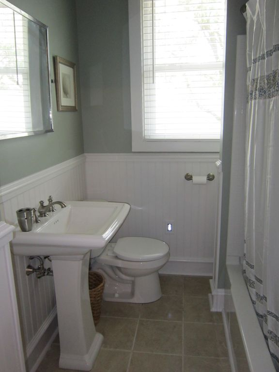 Downstairs full bathroom