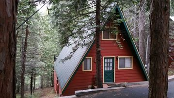 Pinecrest cabin rental