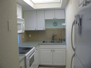 Deerfield Beach condo photo - Kitchen