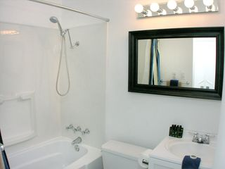 Palm Springs house photo - Guest bathroom