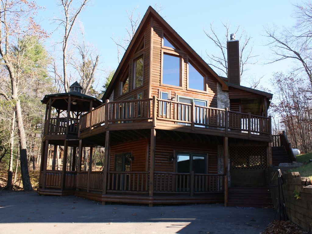 5 bedroom luxury log home with pool table vrbo for 5 bedroom log homes