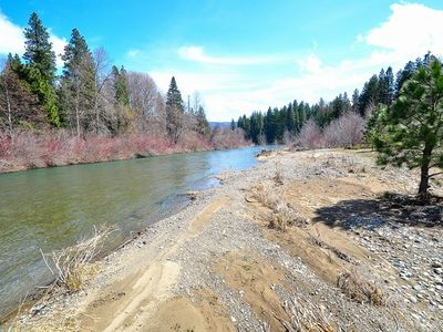 Yakima River Frontage! - Yakima River with a nice beach area on the property! Great for fishing or just relaxing riverside!!