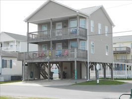 Nice Big Beach House! Great Corner Location overlooking Sand Doillar Lake.