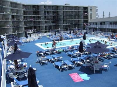 Boardwalk condo rental - Ocean Colony Pool & And Deck.