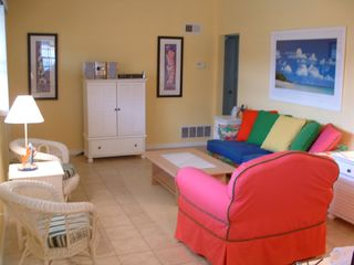 Daytona Beach house photo - Bright and Cheerful Family Room