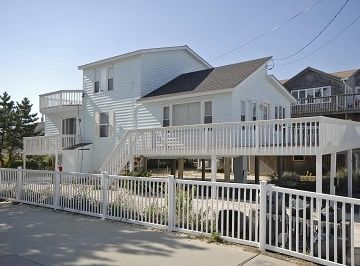 Surf City house rental - Front View of Sun Setter as Seen From the Beach in Surf City at South 2nd Street