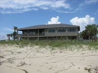 BeachFront Home, Private Pool, 5 BR, New Chef's Kitchen