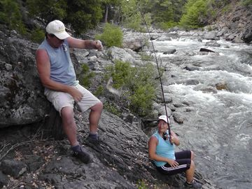 Sierra City cabin rental - Trout fishing in the Yuba river next to the cabin