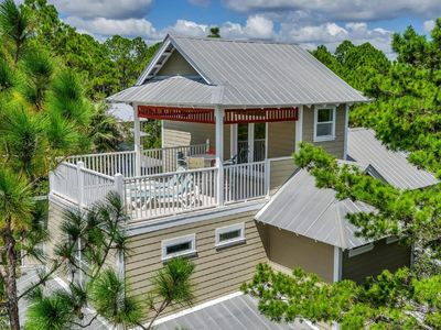 Coastal Escape - Newly Purchased!  Carriage House/Golf Cart/Beach Chairs/4 Bikes