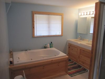 Master Bedroom Bathroom - jacuzzi tub