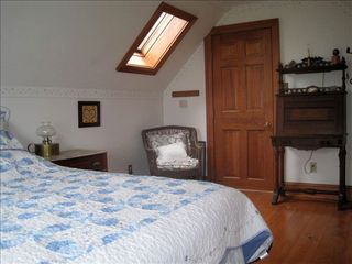 Surry cottage photo - Upper bedroom.