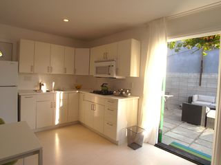 Venice Beach bungalow photo - Fully equipped kitchen.