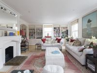 Dignified townhouse with a terrace in energetic Chelsea