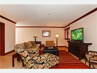 Kapolei villa photo - Designer Furnished Living Area