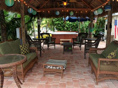 Tavernier house rental - Large tiki hut with stereo, ceiling fans, mood lighting