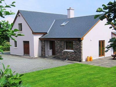 Relax and unwind.. Stunning sea views, secluded site, family friendly